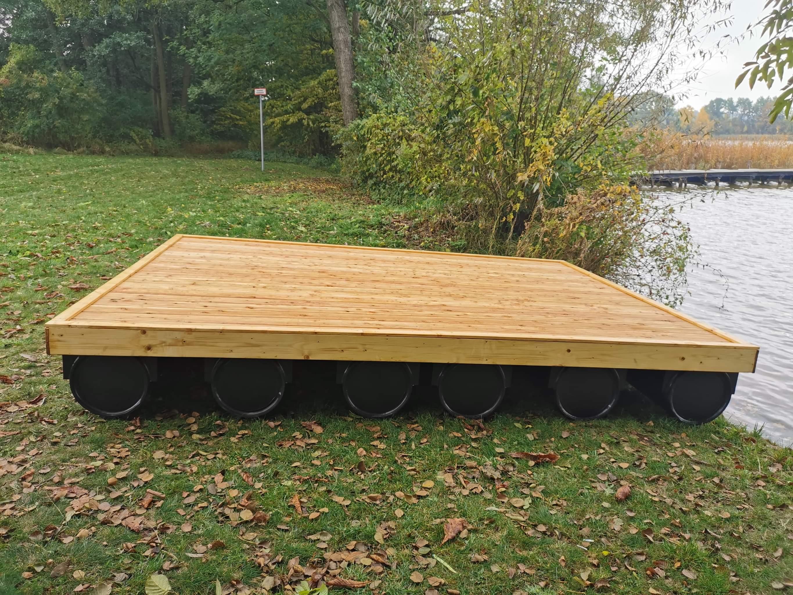 19.   Schwimmsteg Modul 4m x 3m mit Holzbelag